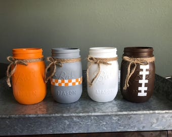 tennessee mason jars / tennessee vols mason jars / pint mason jars / football mason jars / tailgating decor / tennessee vols decor
