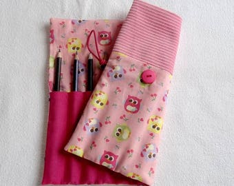 Pencil case / pink owls
