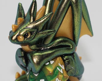 Dundee Color Shift Dice Dragon