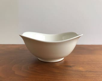 Eva Zeisel Hallcraft Tomorrow's Classic Cereal Bowl in White