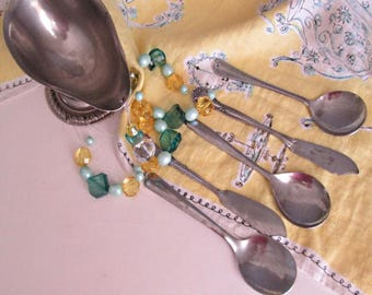 Charming vintage mobile for your kitchen