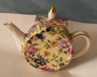 """Collectible little floral """"Nantucket"""" Made in China teapot, collectible, teapot, tiny teapot, floral, knick knack"""