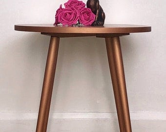 Mid Century Modern Coffee Table with Metallic Copper Detail. Retro