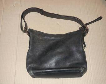 Coach black leather purse. #K2L-9326