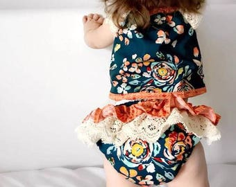 """Two Piece Baby Set - Top with lace sleeves and ruffle pants """"Fleet & Flourish"""" - Sizes 000, 00, 0, 1, 2"""