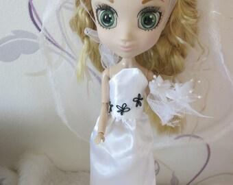 Shibajuku doll wedding dress