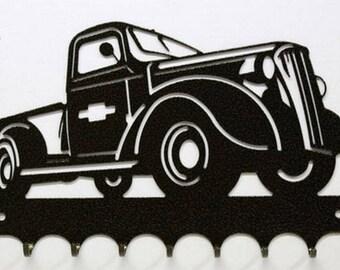 Hangs 26 cm pattern metal keys: Chevy truck