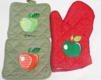 Embroidery Apple Pot Holder Set