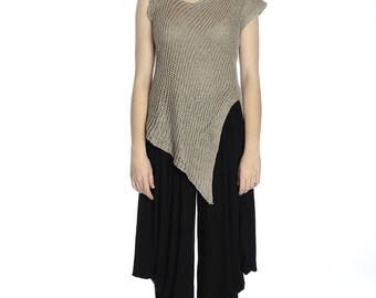 Special price. Asymmetrical Summer taupe linen top, M size. Made of pure linen.