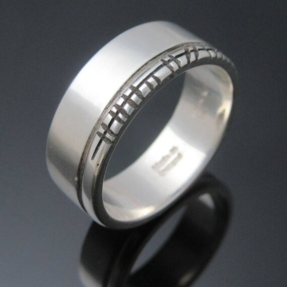 Personalized Ogham ring- Handmade in Ireland | Free shipping worldwide | Celtic Ogham Wedding Band