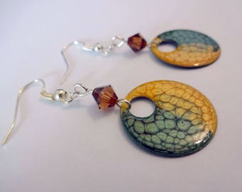 Hand painted earrings * golden yellow and deep green *.