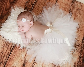 White Newborn Baby Girl Tutu, White Tutu Skirt, Newborn photography Prop, Baby Shower Gift Ideas, Newborn Baby Girl White Tulle Skirt