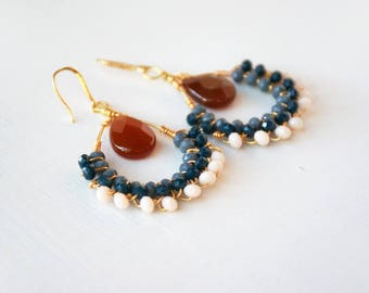 Handmade earrings, glassbeads and blu crystals