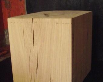 End table in oak 25 X 25 X 30 cm
