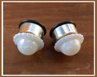 """Girls love Pearls Wedding EAR TUNNEL PLUGS stainless steel earrings pick gauge size  2g, 0g, 00g, 1/2"""", 9/16"""" aka 6mm, 8mm, 10mm, 12mm 14 mm"""