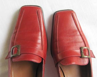 "Vintage Shoes size UK 4.5 / US 7 / EUR 37.5 insole 10""; Van Dal Vandalease Leather Shoes; Marsala Red Leather Shoes with Buckle; Retro Shoes"
