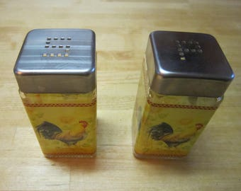 Vintage Rooster Salt and Pepper Shakers, Glass Salt and Pepper Shakers