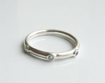 10% SALE - Vintage 925 Sterling Silver Blue Stone Band Ring Size 5 1/2 - K 1/2