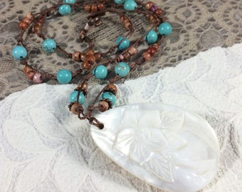 Beach necklace/beach jewelry/jasper necklace/shell pendant necklace/Hawaiian inspired necklace
