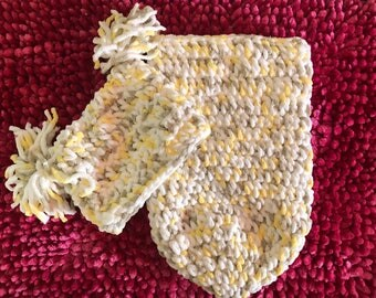Crochet baby cocoon with matching hat