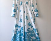 White/Blue foral 1970s maxi dress