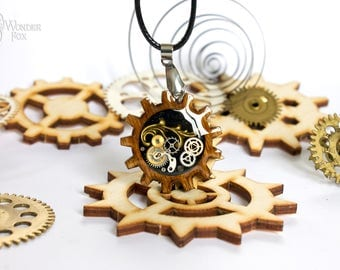 Steampunk Necklace - Gear Necklace - Mechanical Pendant - Resin Steampunk - Wooden Gear