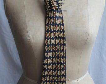 Navy and gold tie REF840