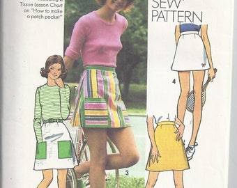 Simplicity 5427  Vintage Sewing Pattern from 1972.  Misses Set of A-line Skirts and Short Shorts.  Waist 28