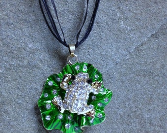3D Rhinestone Frog Pendant Necklace Sparkling Creature Jewelry for Frog Lover or Frog Collector Geeky Jewelry Gift on Black Organza Necklace