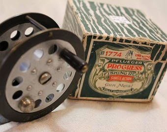 Vintage Classic Pfleuger Progress 1774 Brass Fly Fishing Reel In Original Box
