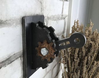 Light Switch Cover with Rusty Gear / Steampunk Lighting / Urban Industrial Lighting / Toggle Light Switch / Gear Wall Plate / Game Room