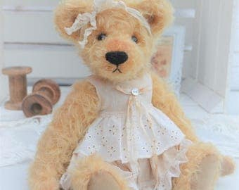 "Antique Style Teddy Bear - ""Amber"""