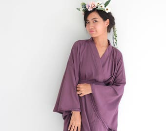 Violet Bridesmaid Robes, Short Kimino Robes, Silk Robes, Getting Ready Robe, Bridal Party Robes, Bridesmaid Gifts, Bridal Gift, Lace Robe