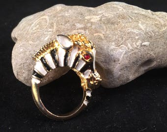 Vintage black and white Enamel and gold tone figural zebra ring