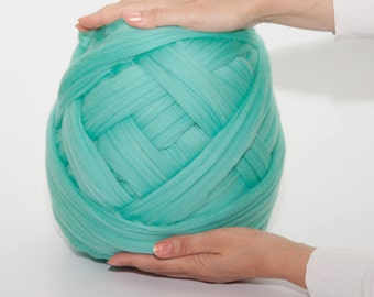 Chunky Merino Wool Yarn for Arm Knitting, Bulky Yarn, Mega Yarn, Giant Yarn, Unspun Wool Roving, Extreme Merino Wool, Weaving, Felting, Mint