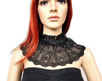 Black collar with lace