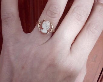 Art Deco vintage solid gold 9k cameo ring Italy size 7