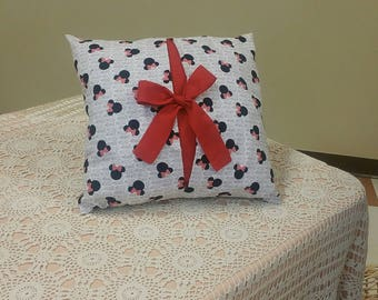 Minnie Mouse Bow Pillow