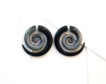 Spiral fake gauge earrings black grey fake plugs fake gauges