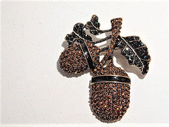 Early Vintage Heidi Daus Unsigned Brooch / Swarovski Crystal / Rhinestone / Double Acorn and Leaf