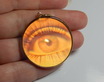 Hologram necklace etsy vintage 9ct yellow gold eye hologram pendant 9k gold hologram pendant hologram vintage mozeypictures Image collections