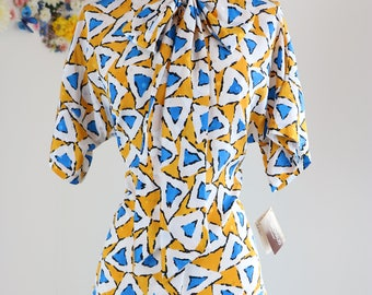 80s Does 1950s Pussy Bow Blouse - M/L - Abstract Print - Tie Neck - Short Sleeve - 1980s Deadstock - Vintage Mad Men Style - Yellow Blue