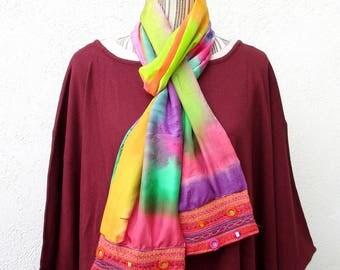 """Vendu Foulard en soie et bordure brodée, style Bollywood, french scarf,  arc en ciel, unique, foulard peint main, from France """"Fantaisie"""""""