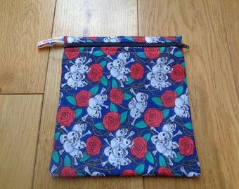 Snack Bag - Bikini Bag - Lunch Bag Tool Bag - Zero Waste Medium Poppins Waterproof Lined Zip Pouch - Sandwich bag - Eco - Skull Roses Goth