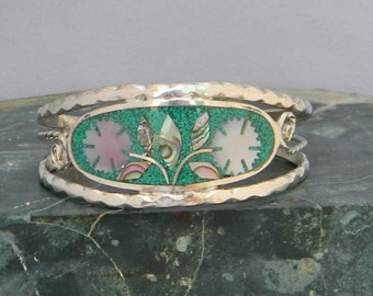 """Mexico Alpaca Silver 6-1/4"""" Vintage Cuff Bracelet Crushed Stone Green Enamel Abalone Shell Inlay H39"""