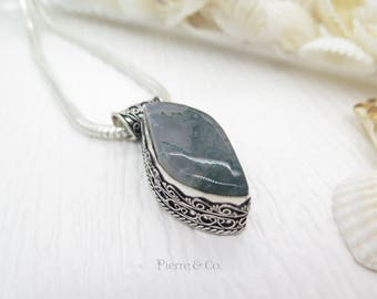 Vintage Moss Agate Sterling Silver Pendant and Chain