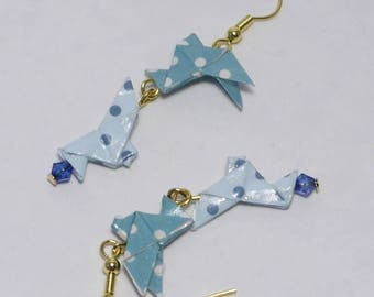 Earrings in origami doves