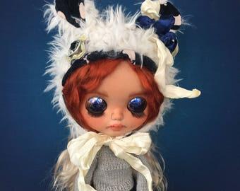 Blythe hat, Blythe helmet, doll faux fur hat, Blythe clothes, Blythe, Blythe outfit, Blythe dress, blythe doll, Blythe custom doll