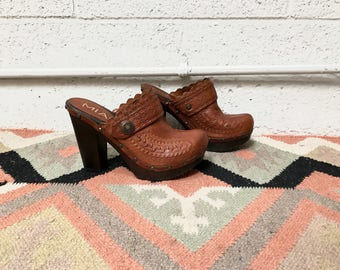 Brown Leather Closed Toe Heeled Mules - 70's Style Western Leather and Wood Clogs - Brown Tooled Leather Closed Toe Heels - Size 6