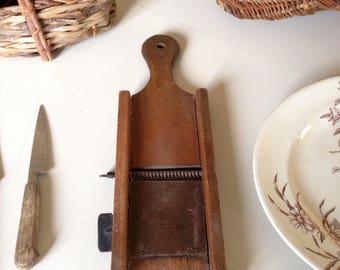 Mandolin french patent, vintage vegetable grater.